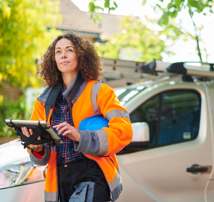 4 Reasons Your Small Business Needs Field Service Management Software